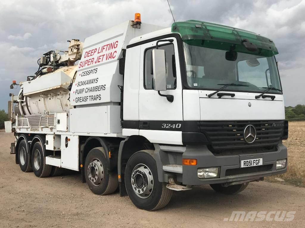 Mercedes-Benz 3240 8x4 Hub Reduction Fitted with a SAJ Huwer Sup