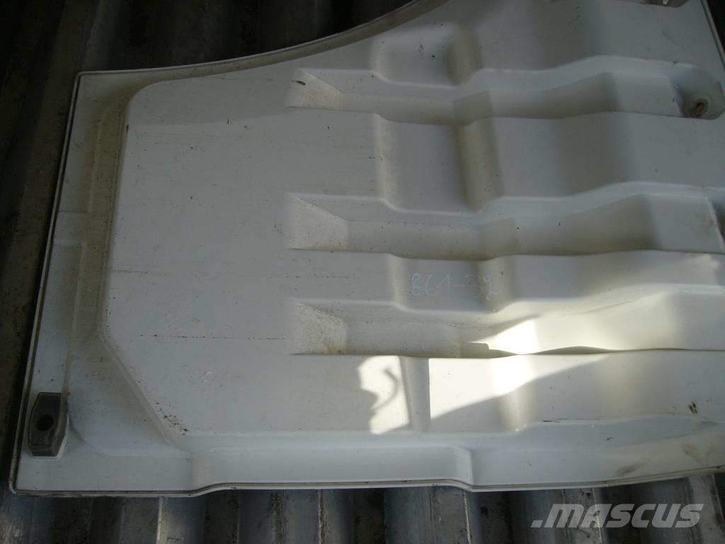 MAN TGA driver side door part