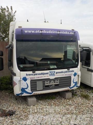MAN TGA Cab  2006 .  XXL F99/L45   D2066LF01 430. Euro