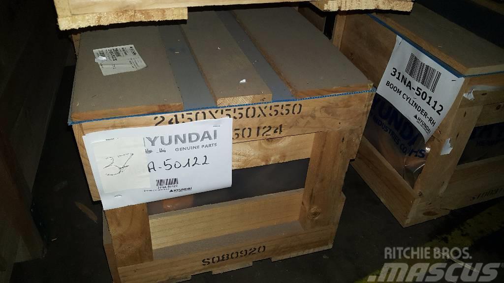 Hyundai Boom Cylinder LH - Robex 360 LC-7