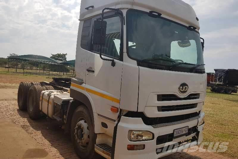 Nissan UD460 TRUCK TRACTOR