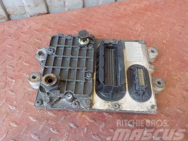 Mercedes-Benz Actros MPIII Engine control unit 64463640 01544742