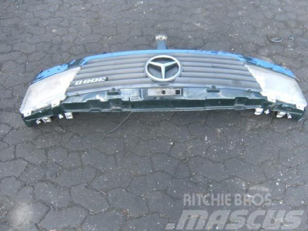 Mercedes-Benz Sprinter Frontschürze komplett, 1996, Övriga