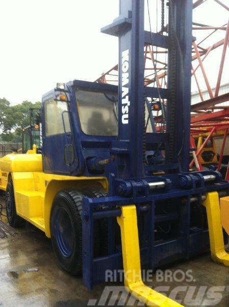 Komatsu FD200E-6 Diesel Forklift