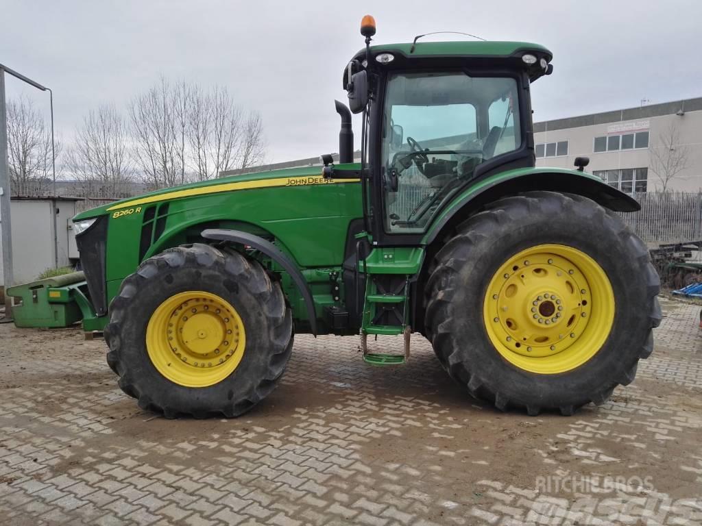 John Deere 8260 R - Tractors, Year of manufacture: 2013 - Mascus UK