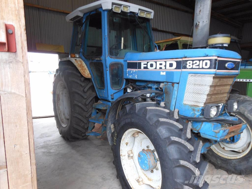 New Holland Ford >> Ford New Holland 8210 Iii