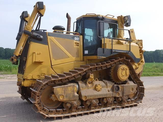 Caterpillar D8 T + RIPPER + BLADE