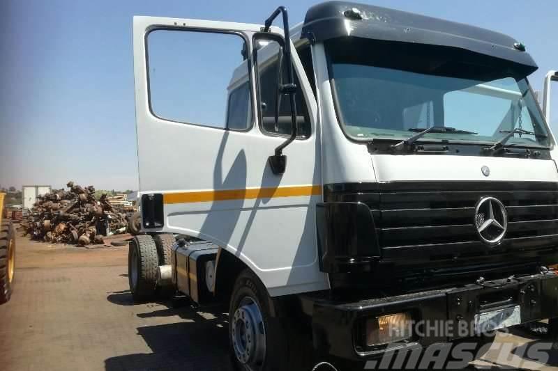 Mercedes-Benz 2535 Powerliner 6x4 Truck Tractor
