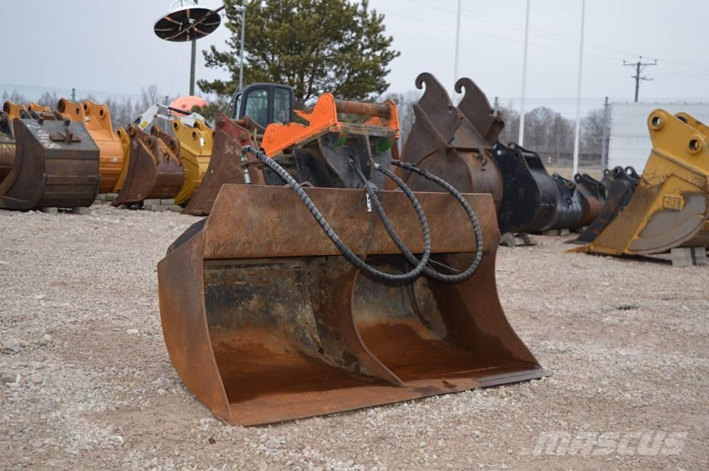 Beco Ditch cleaning bucket