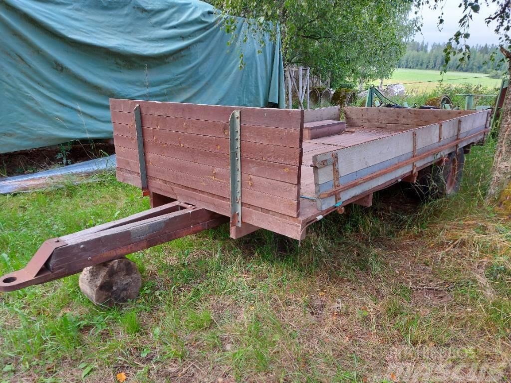 [Other] Traktorin peräkärry 1-akselinen pallorenkailla