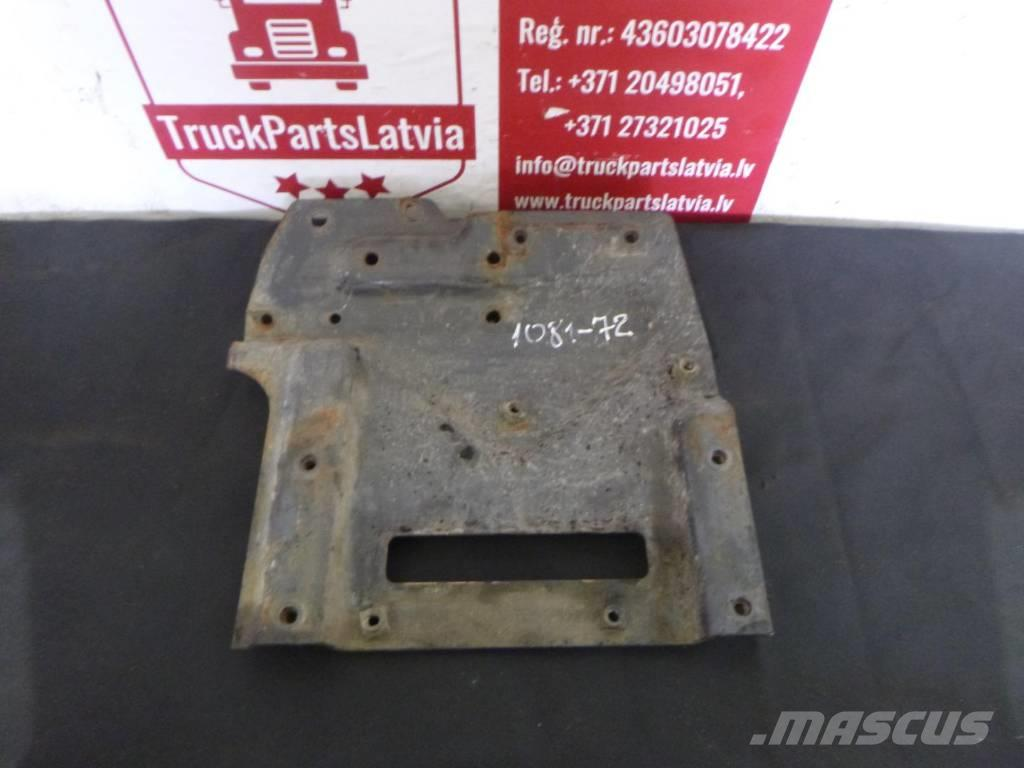 Scania R440 left front bumper amplifier bracket