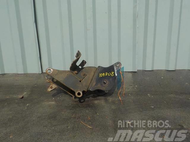 MAN TGA Cabin bracket (upper stabiliser) left 81417202