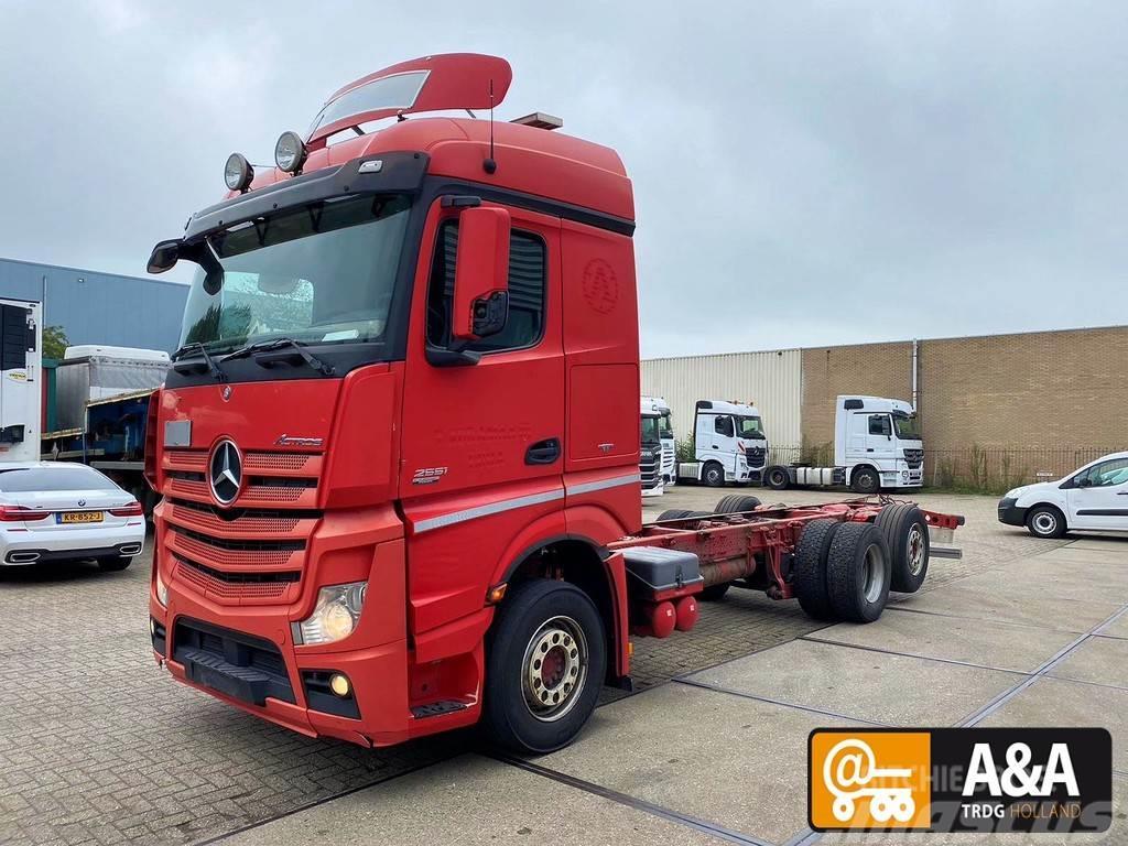 Mercedes-Benz Actros 2551 L 6x2 StreamSpace Euro 5 2013