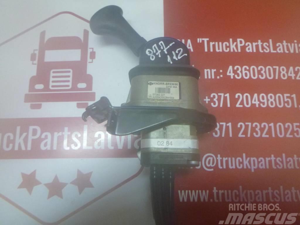 Mercedes-Benz Actros Hand brake crane A0004200284