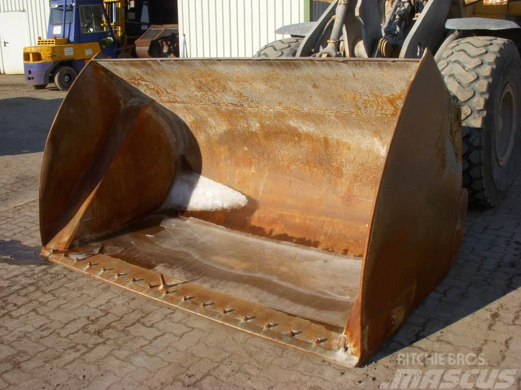 Volvo (943) 2.65 m Hochkippschaufel / bucket