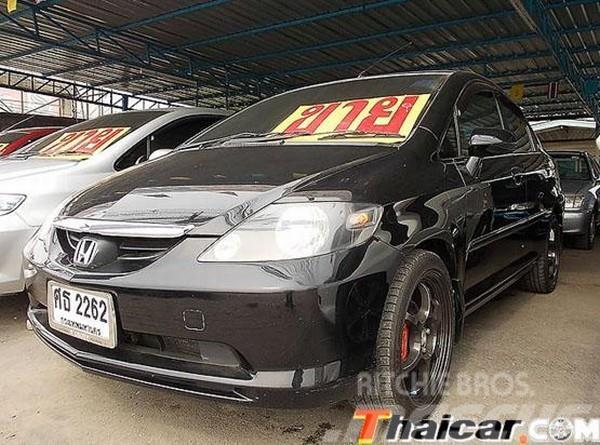 Honda CITY 02 05 15 VTEC 2005 Automobiles SUVS