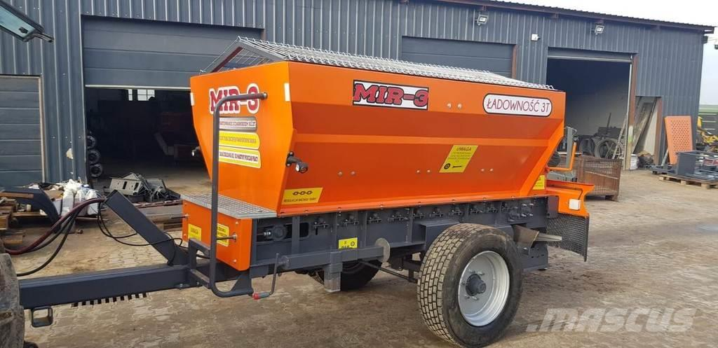 [Other] XZ RCW 3,Spreader, Salt and Sand Spreader, Tractor
