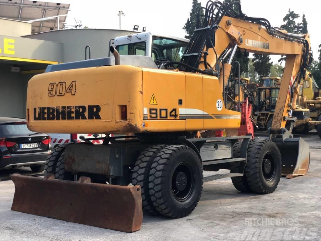 Liebherr A904C