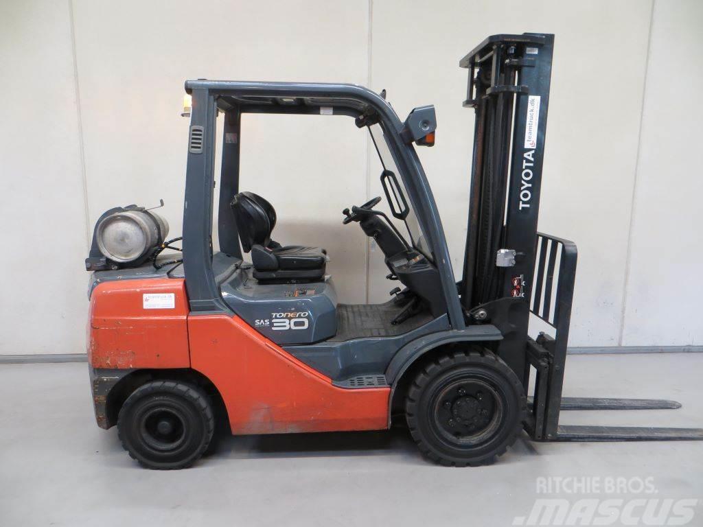 Toyota 02-8FGF30