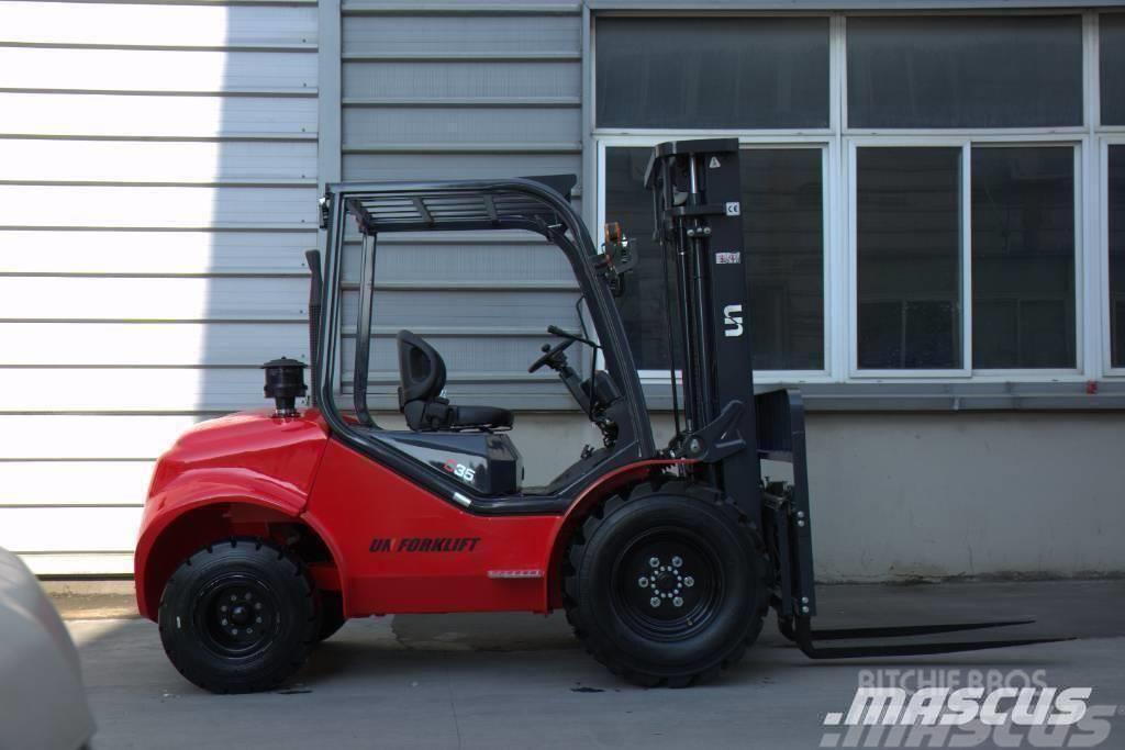 UN Forklift UN Forklift FD25T 2.5T 2WD Rough Terrain 4JG2
