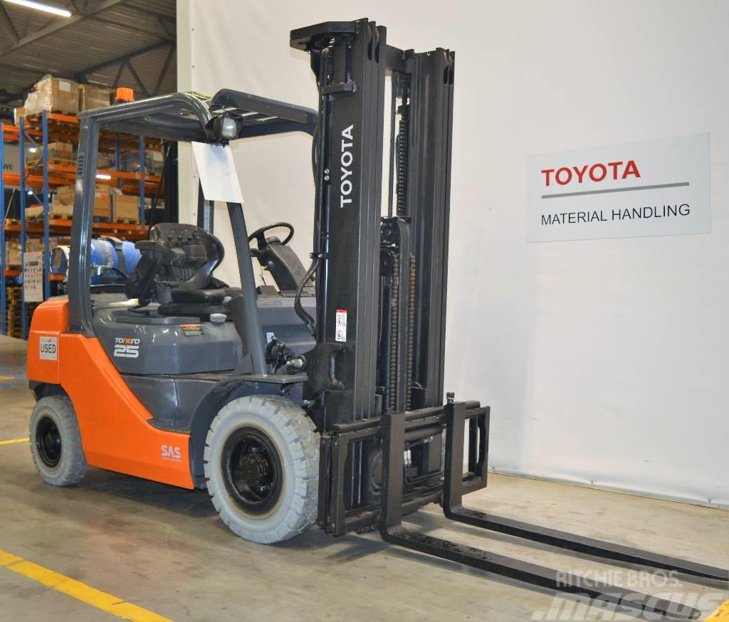 Toyota 8 FG F 25
