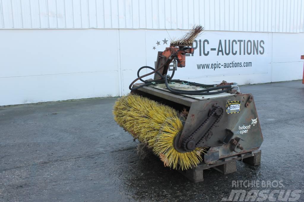 Bobcat Sweeper Veegmachine