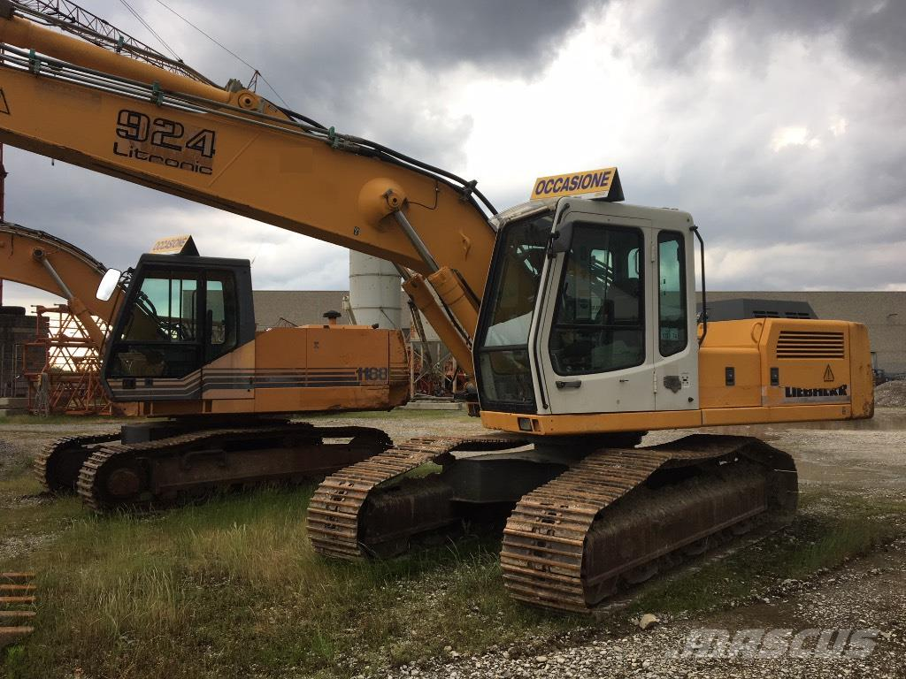 Liebherr 924 (with crusher and hammer)