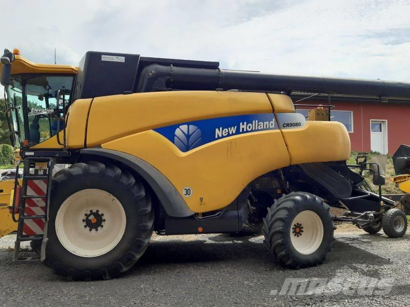 New Holland CR 9080 Elevation