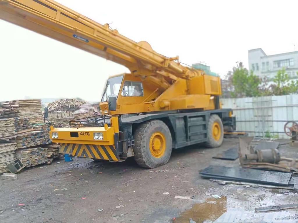 Kato 35 ton Crane