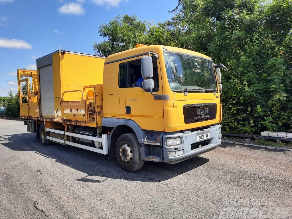 MAN TGM15.250 Line Painting Truck