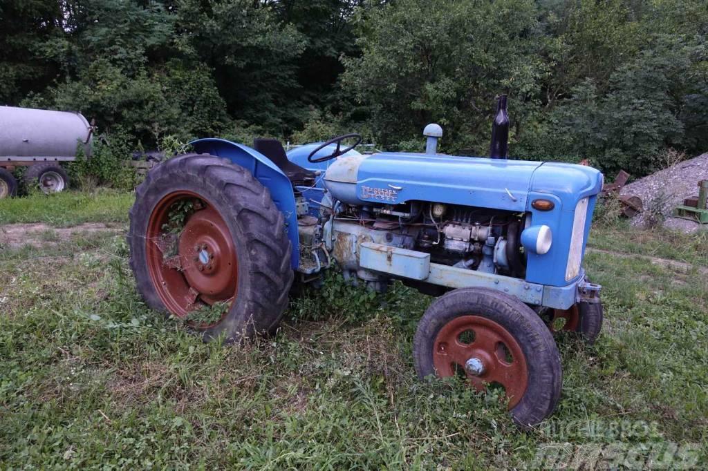 Fordson Major 2600