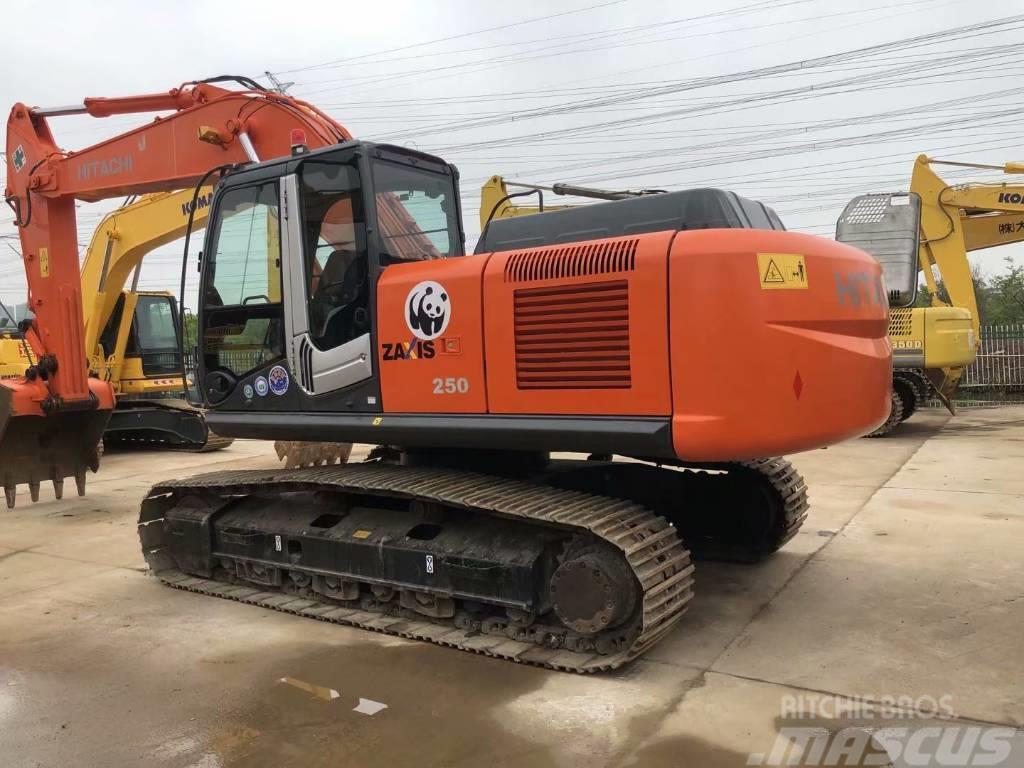 Hitachi ZX250H-3中型挖掘机