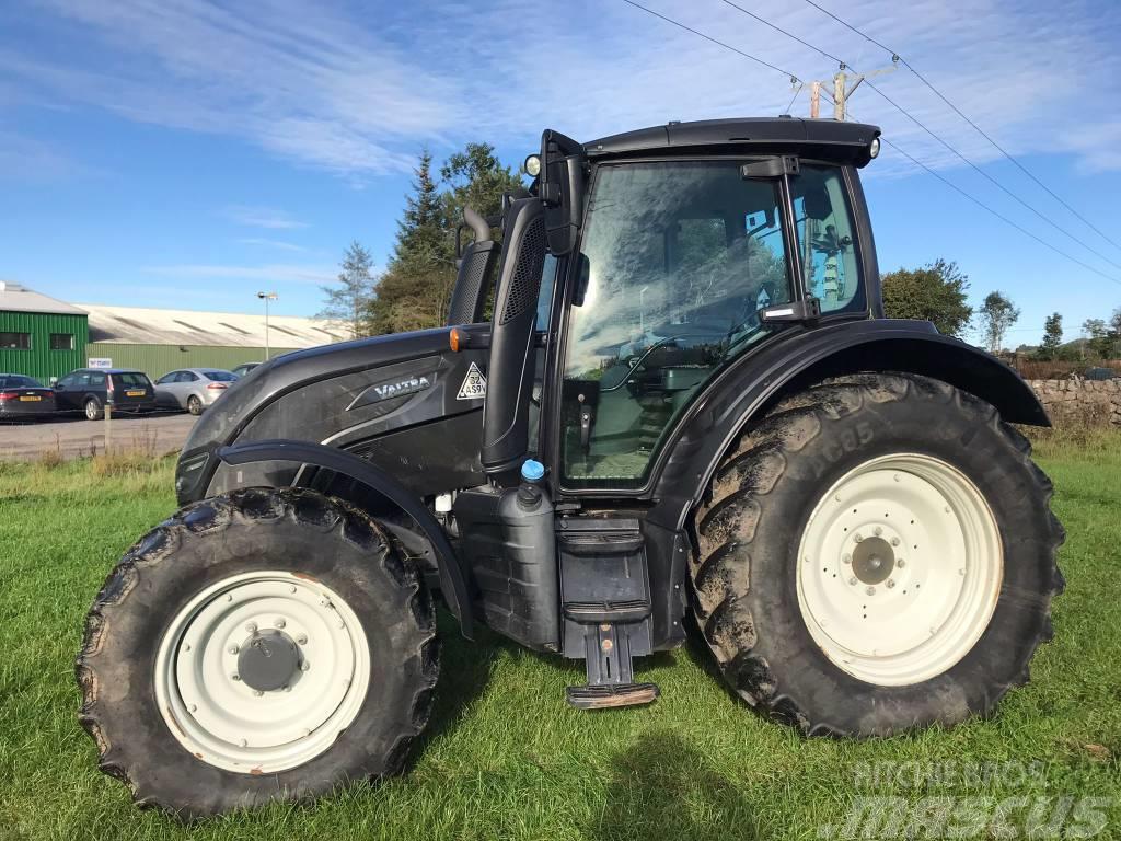 Valtra N134 HiTech Tractor