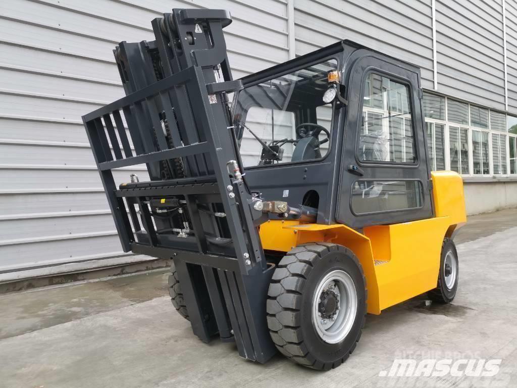 UN Forklift Mini 5Ton Diesel Forklift with 3000mm Mast