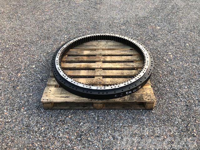 Sennebogen 821 bearing