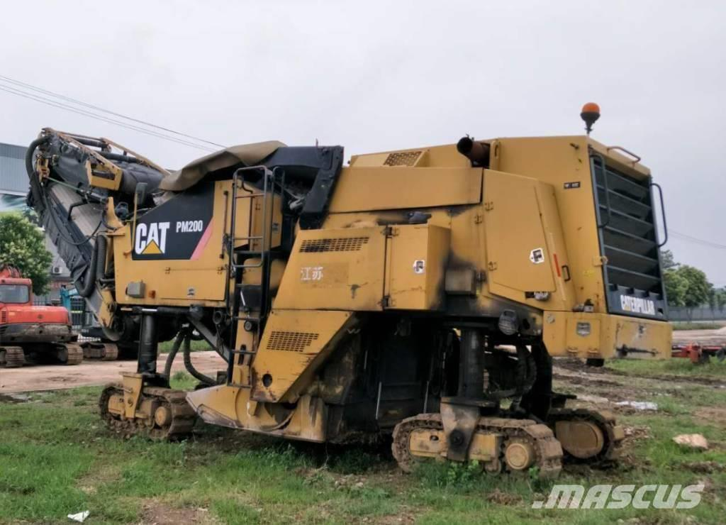 Caterpillar PM 200 Cold Planer **Year 2009**