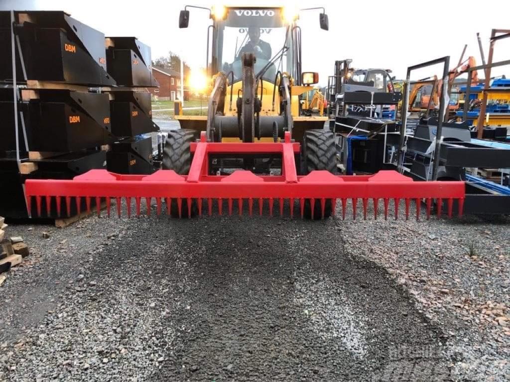 Vaaras Kratta räffsa för hjullastare eller traktor