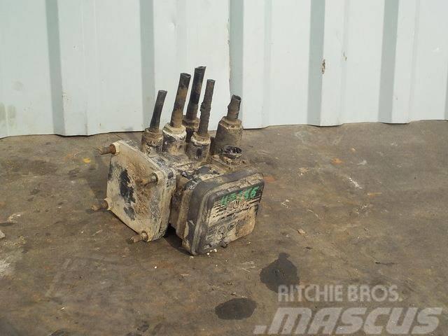 MAN TGA Trailer control valve 81523016209 BK8500595