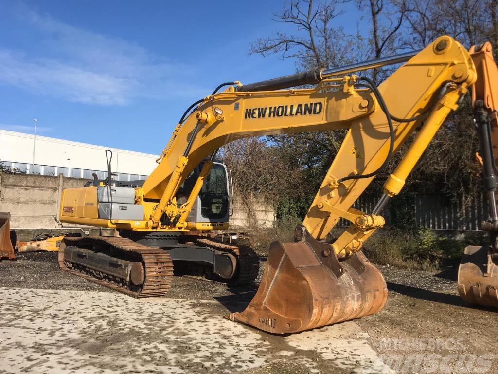 New Holland E385B