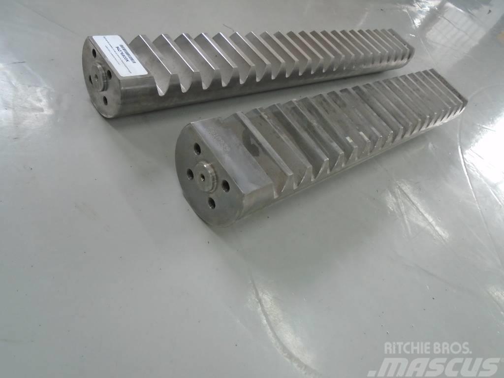 John Deere F610939