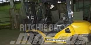 Komatsu FD 30 T-17