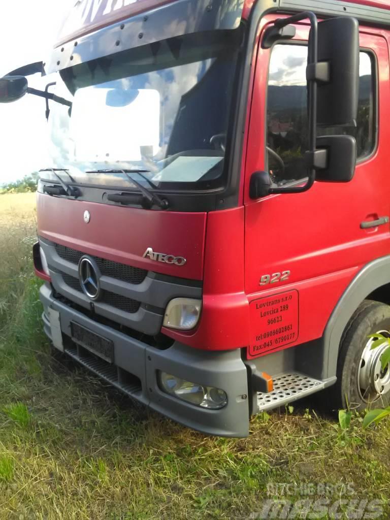 Mercedes-Benz Atego 9220