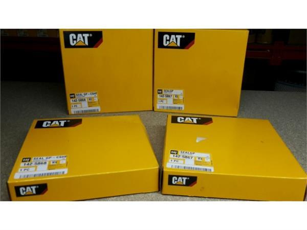 Caterpillar 1425868 1425867 Crankshaft Seal