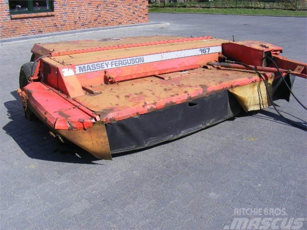 Massey Ferguson 167 Heckmähwerk gezogen