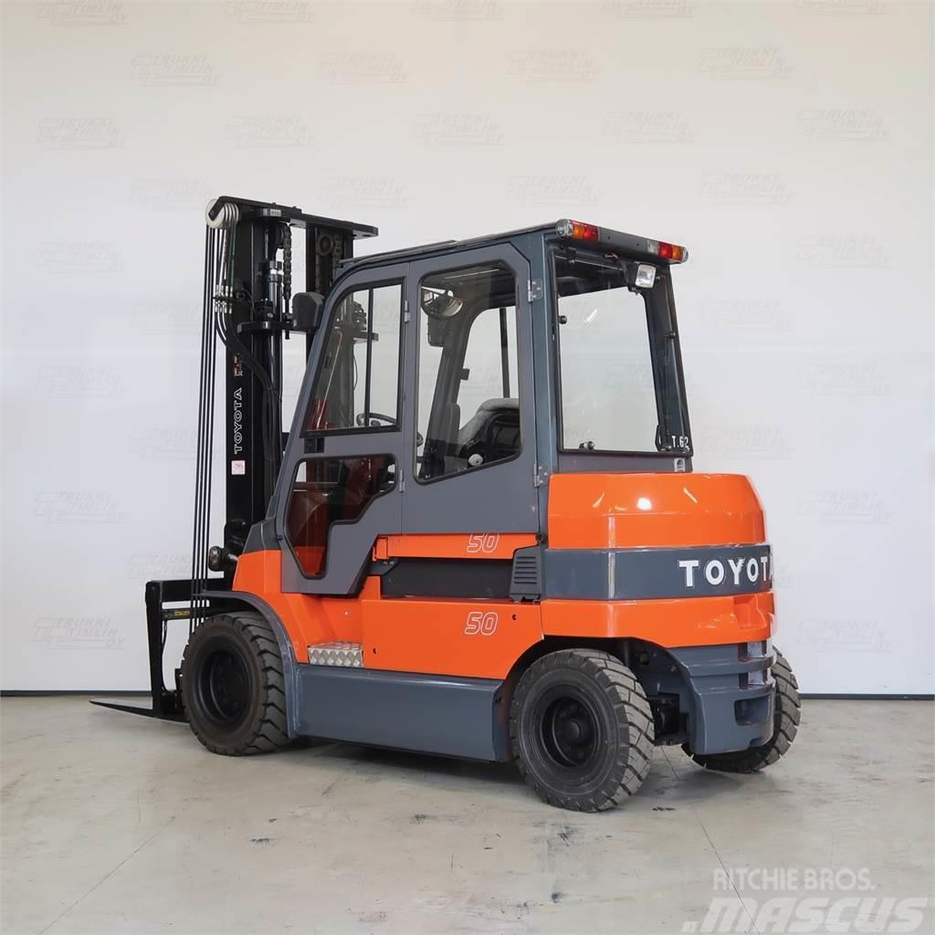 Toyota 7FBMF50