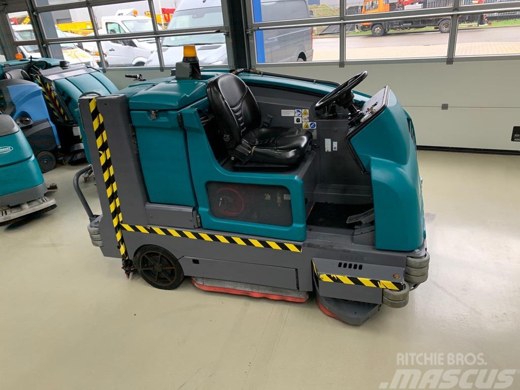 Tennant M20 veeg/schrob machine