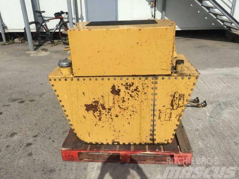 Caterpillar Hydraulic Tank 9T1748