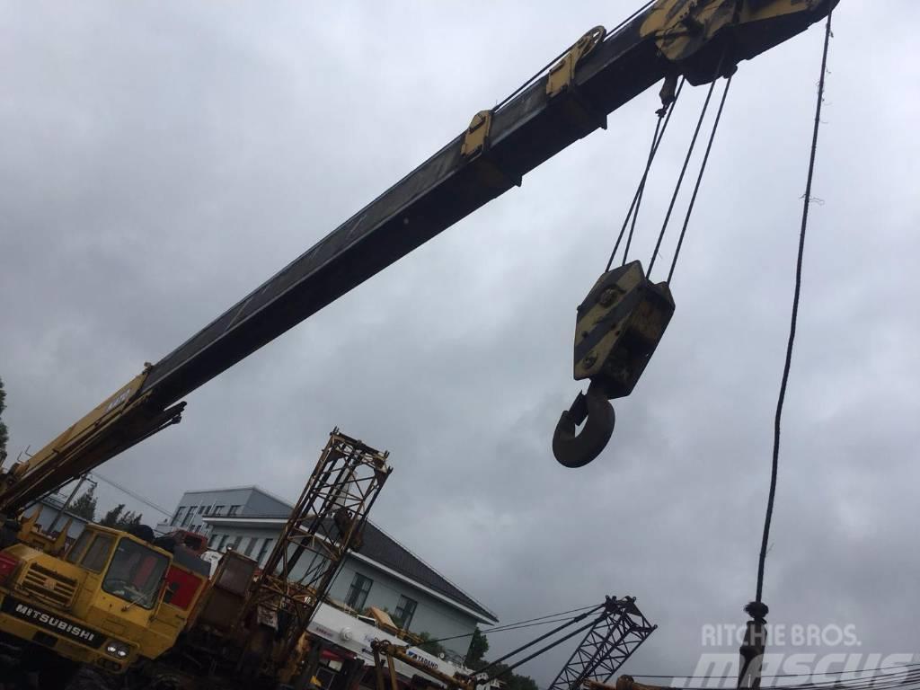 Kato NK250E (100% Original used truck crane)