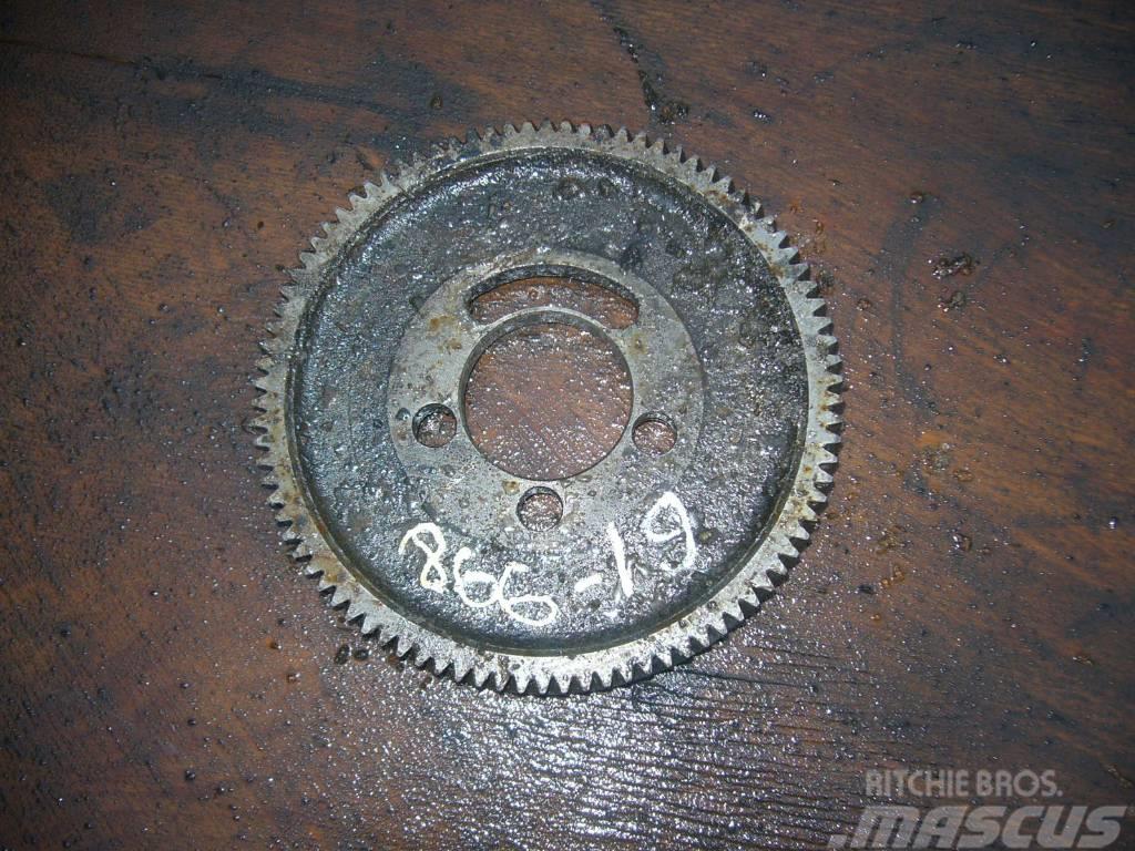 Scania 144 oil pump gear