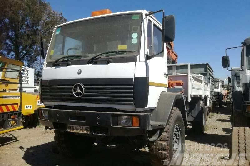Mercedes-Benz 1617 4x4 /Palfinger Pk8080 Crane